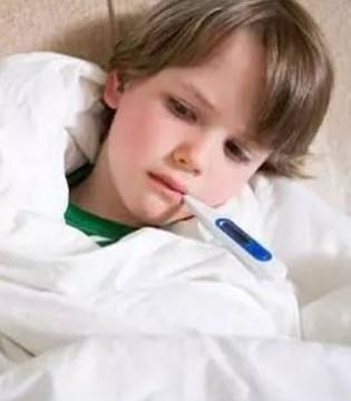 孩子发烧一定要物理降温 但用错部位更加伤娃