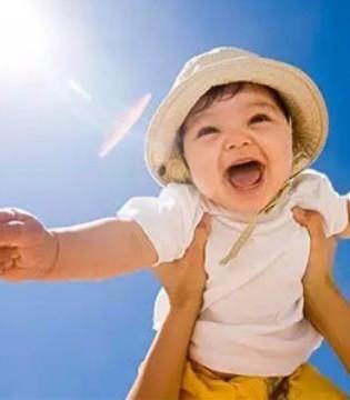 炎热夏季宝宝如何正确晒太阳 哪些婴儿不适宜晒太阳