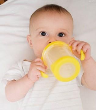广州口岸首次在B2C直购婴幼儿奶粉中查获夹带旧服装