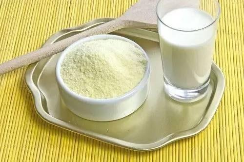 宝宝要注意喂养奶粉 经常换奶粉这样真的好吗