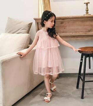 童年里最亮的星就是那穿着童衣汇品牌童装的她