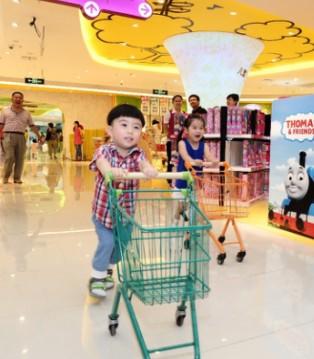 孩子王联合宝马和RECARO助力中国新家庭安全出行