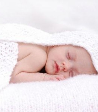 刚出生的婴儿喝什么奶粉好 这篇文章为你解答