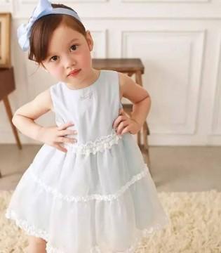 你是小淘气还是小甜心 穿上这条裙想要什么大人都给你
