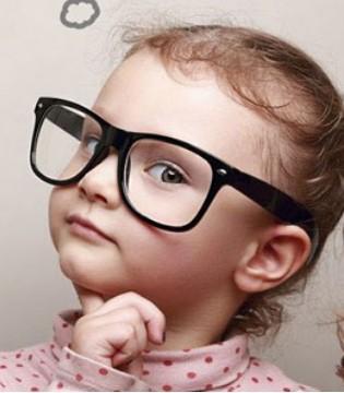学龄前儿童多做户外运动 视力会恢复正常