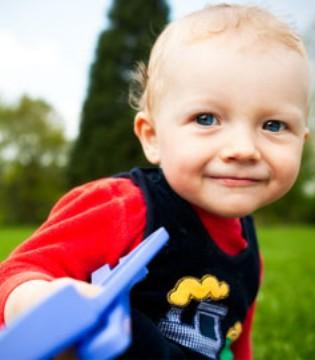喝奶是宝宝每日唯一的食物 哪些原因会诱发宝宝厌奶