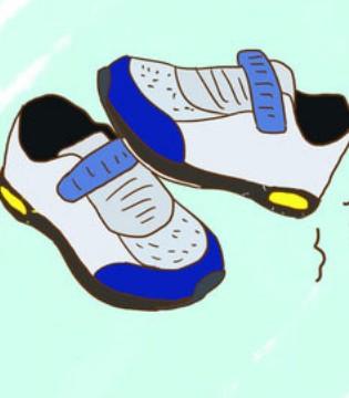 孩子穿这种鞋子 不仅影响走姿还可能伤