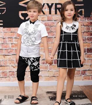 穿上M&Q大眼蛙品牌童装的他和她比鹿晗和迪丽热巴更耀眼