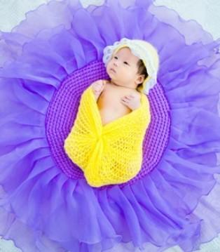 妈妈要扔掉刚出生的宝宝 原因竟是太丑了