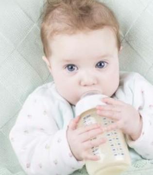 宝宝喝奶粉大便绿色正常吗 分情况判别