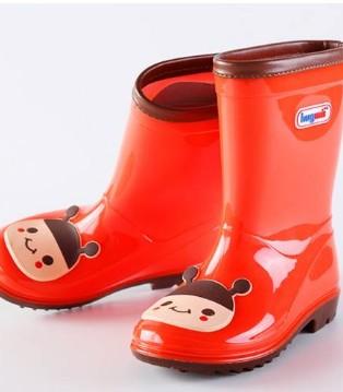 到处都是雨雨雨 快给宝贝挑选好用又可爱的雨鞋吧