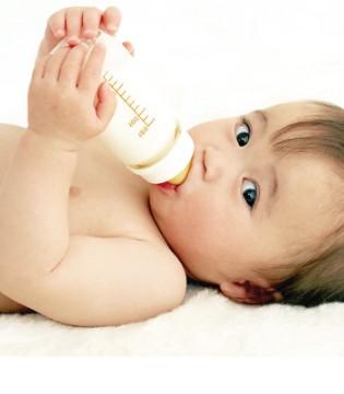 为什么冲泡奶粉不能太浓 奶粉冲太浓会伤肾