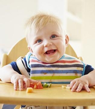 宝宝饮食要根据年龄来定 家长你知道吗