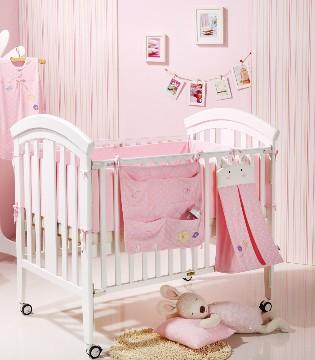 婴儿五花八门 妈妈们该如何选择婴儿床