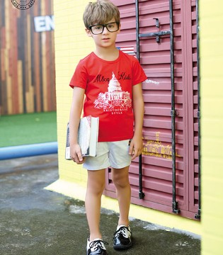 靓丽的M&Q大眼蛙品牌童装带给孩子七彩缤纷的夏日