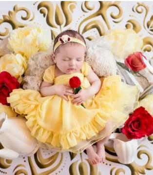 小宝宝化身迪士尼公主 可爱睡相萌化你