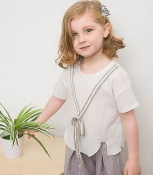 小女孩快来和大宝小宝品牌童装一起打造最恣意的童年时光