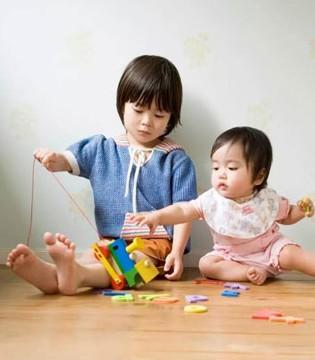 """要想宝宝成长好""""乱扔""""东西绝对少不了"""