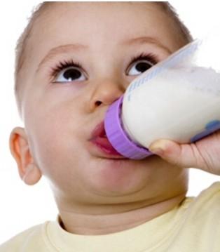 奶粉冲太浓会伤肾 宝宝奶粉冲多少合适