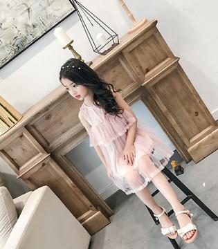难忘的是当小女孩穿上了童衣汇品牌童装的那一份惊艳和自信
