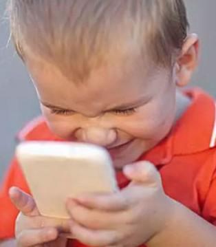 想毁掉一个孩子就给他一部手机 家长必读