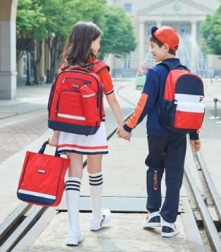 """""""轻松有型""""上学路 FILA KIDS新品背包上市"""