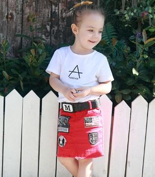 穿上芭乐兔品牌童装给他和她一个难忘的热情夏日