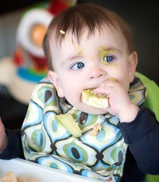 羊亲亲羊奶支招 宝宝辅食添加的原则