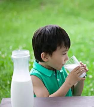 怎么选购奶粉 看完佳贝艾特这篇文章就可以了
