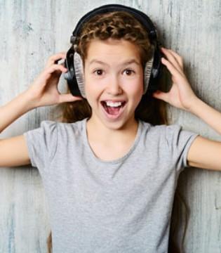 每天都喜欢戴耳机听歌 长期使用耳机有什么危害
