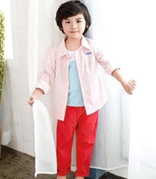 穿上伟尼熊品牌童装一起去感受或微凉或微热的早秋
