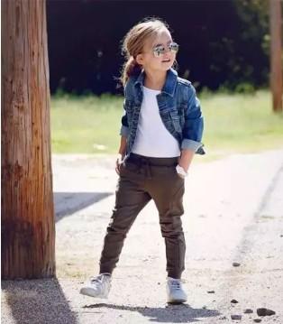 伊顿风尚品牌童装 潮娃怎能少了一件牛仔外套
