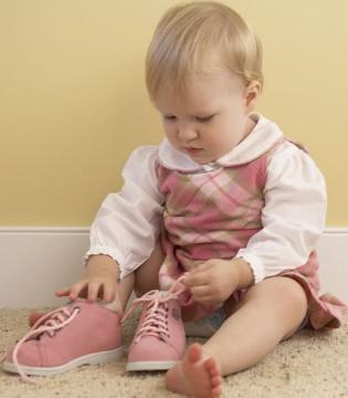 这类童鞋再好看不要再给自家孩子买了 对孩子身体没好处