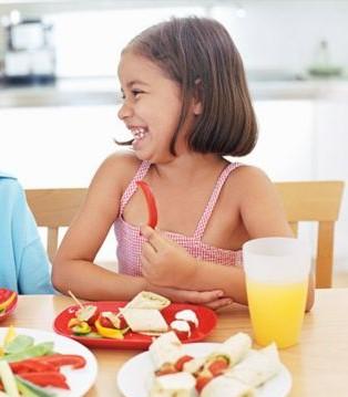 孩子应掌握的餐桌礼仪有哪些 如何培养餐桌礼仪