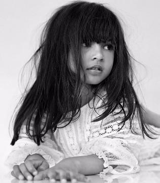 英国奢侈品牌Burberry最新2017秋冬女婴装新品系列