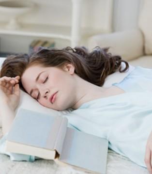 裸睡好处多多 女人裸睡会带来五大好处