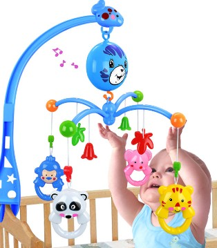 婴儿床上可以挂玩具吗 小心造成婴儿斜视