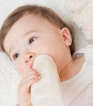 三大原因致宝宝喝奶粉上火 宝宝喝奶粉上火怎么办