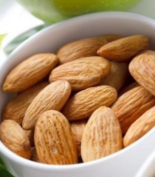 吃零食不长胖 四类坚果让你越吃越健康