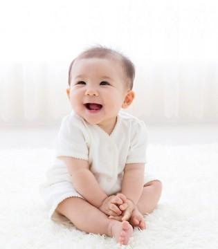 妈妈看着你喝奶粉上火也很心疼 但是能为宝宝做什么呢