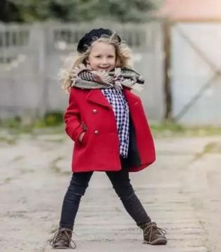 伊顿风尚品牌童装 一件毛呢大衣让宝贝优雅迷人