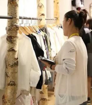 2018豆豆衣橱春夏季新品发布会现场直击ALIVE