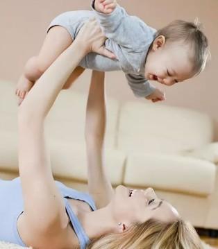 爱达力:宝宝爱摇头的秘密 都是缺钙惹的祸