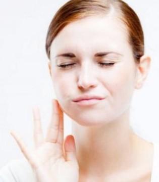 孕妈牙龈出血 这是孕期牙龈炎的征兆