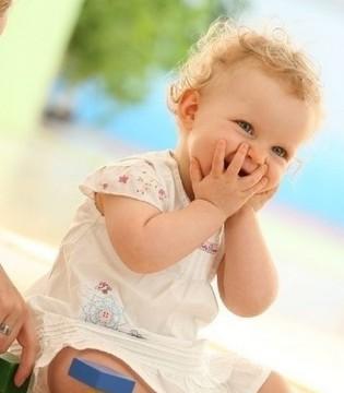 孩子黏着妈妈 到底是陪的太少还是陪的过多