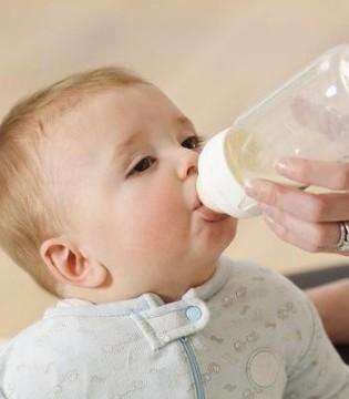 宝宝喝奶粉上火怎么办 怎么喝奶粉才不会上火