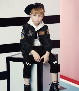 YukiSo品牌童装秋季时尚穿搭 打造酷炫小男神