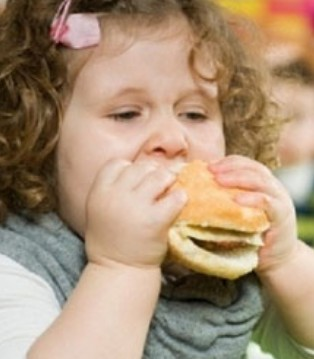 儿童肥胖需防2型糖尿病 零食得这样吃