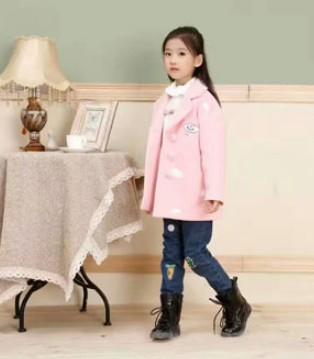 爱上班吉鹿品牌童装冬季新品 时尚达人也爱这么穿