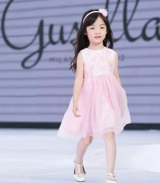 北京时装周GUSELLA首秀 一场童话般的时尚盛典